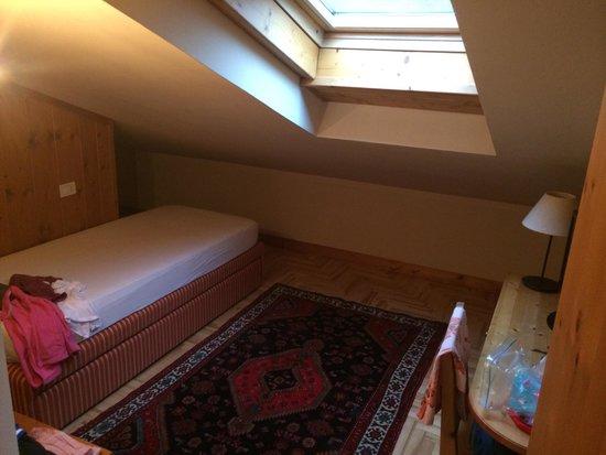 Hotel La Genzianella : Second kids bedroom in junior suite Genzianella
