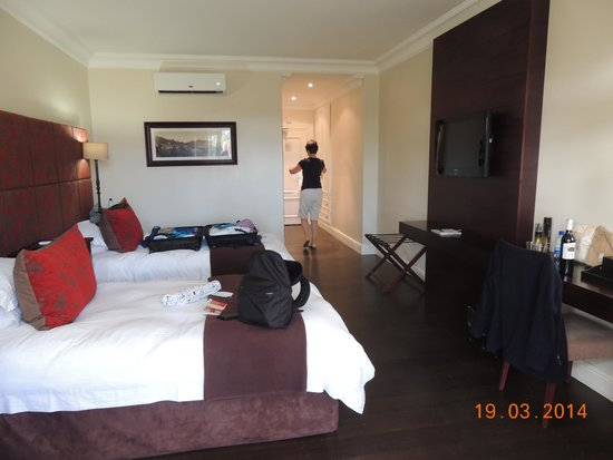 Devon Valley Hotel : Large comfortable room