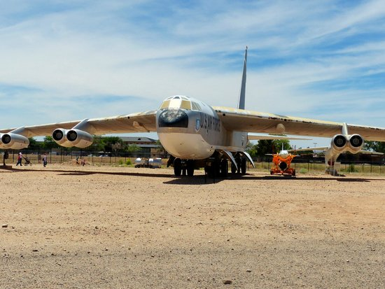The National Museum of Nuclear Science & History : B-52