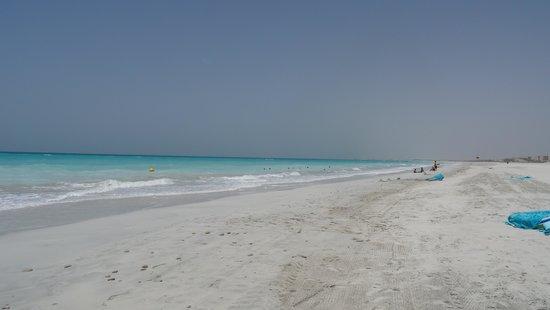The St. Regis Saadiyat Island Resort: Beach