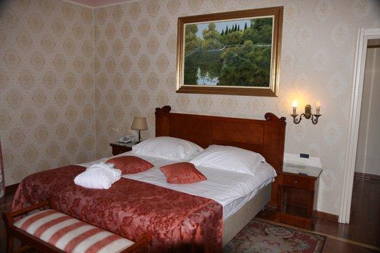 Hotel Milenij: Bedroom