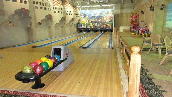 Ali Baba Palace : Bowling alley (costs)