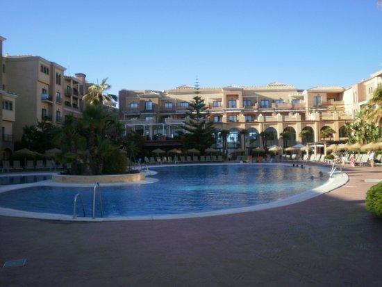 Barcelo Punta Umbria Mar: La piscina