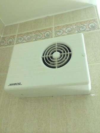 Jurys Inn Oxford : World's Noisiest Extractor Fan