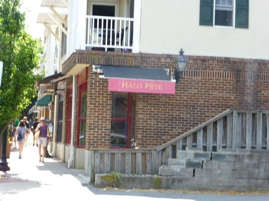 Halo Pub: on the Griggs corner