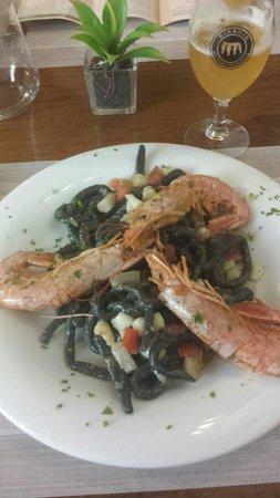 Locanda di Tocchi: Pici neri con lardo e gamberoni !!!!! Ottimi è dir poco !!