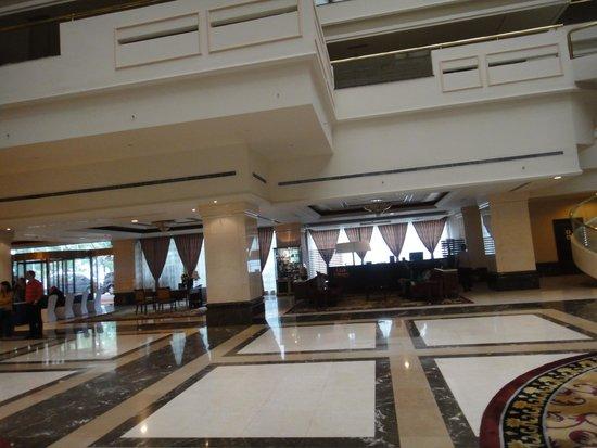 Sheraton Guilin Hotel: Hall do Hotel e sua requintada decoração