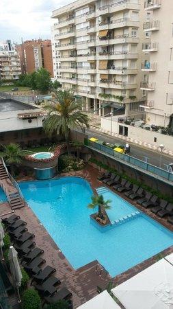 Hotel Kaktus Playa : Вид из номера на бассейн