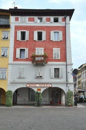 Hotel Venezia: vista frontale dell'hotel