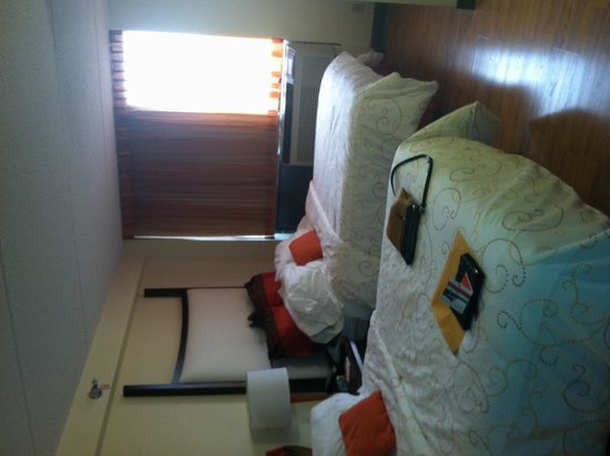 Hotel Indigo Chicago - Vernon Hills : Comfortable Beds