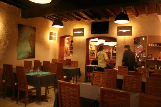 Le port picture of l 39 albatros bonifacio tripadvisor for Restaurant bonifacio port