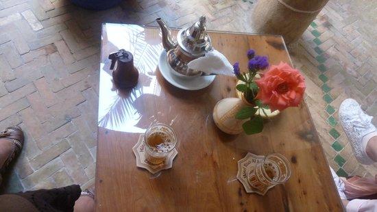 Riad Al Madina: thé à toute heure ...