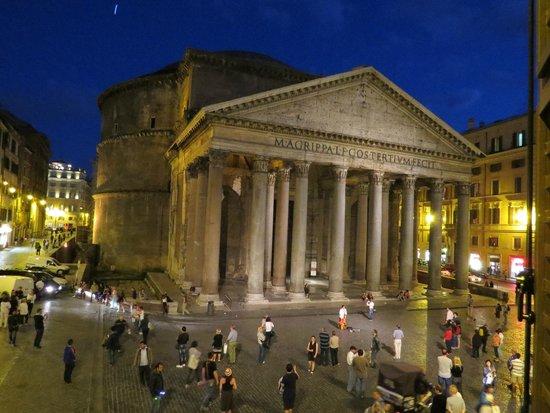 Hotel Abruzzi : Вид на Пантеон