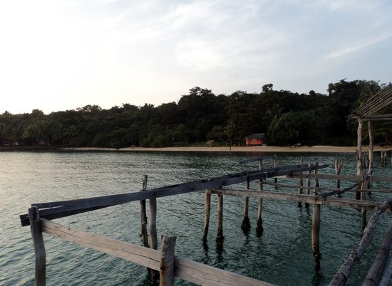 Nomads Land: Evening at the dock