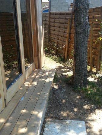 Le Mas de Bouilhac : chemin d'accès à la chambre