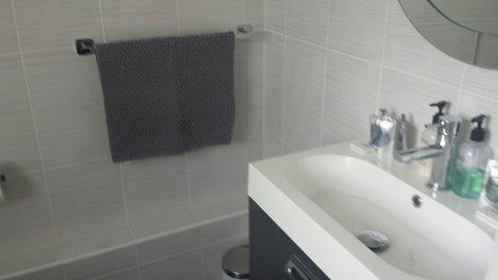 Hamilton's - B&B: Bathroom