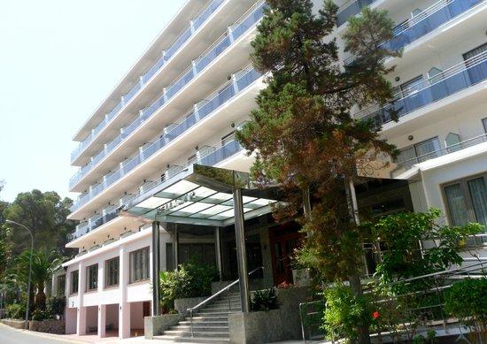 Bellamar Hotel: Hotel side/main entrance.