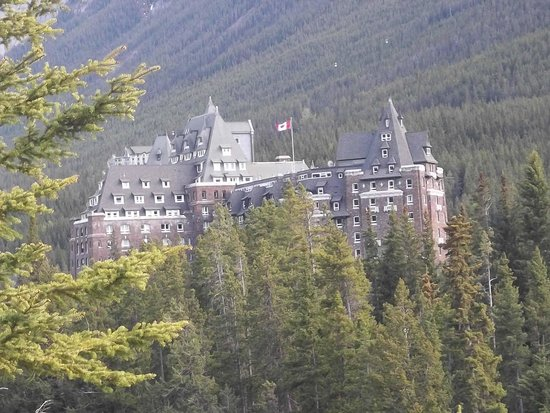 Surprise Corner: Banff Springs Hotel