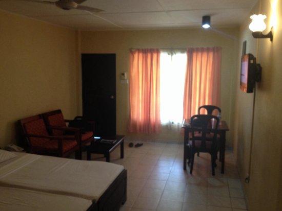Laya Beach : Inside standard room