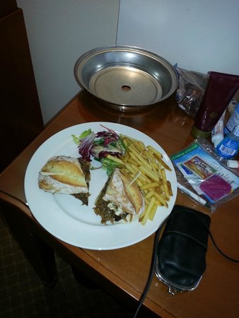 Park Plaza Victoria London: Had room service the first night!