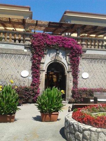 Hotel La Badia: hotel entrance