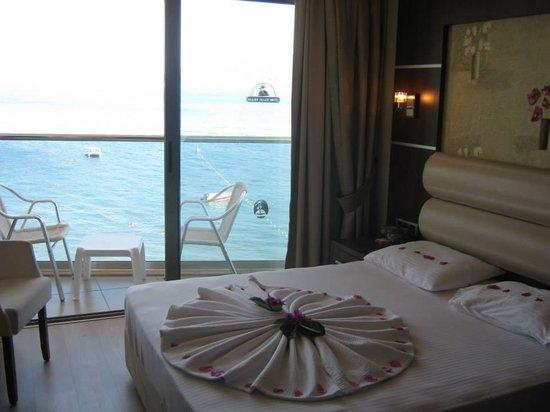 Malibu Beach Hotel: hotel room