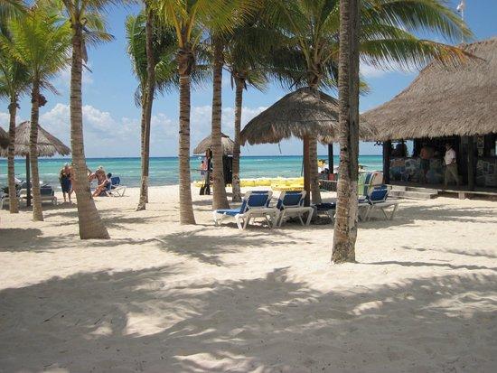 Sandos Caracol Eco Resort : Beach