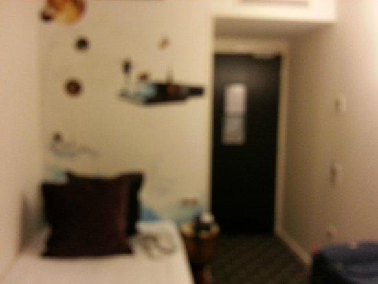 Hotel du Triangle d'Or: Mi habitación single