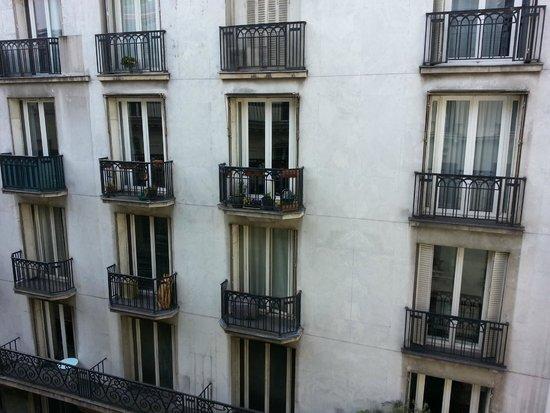 Hotel du Triangle d'Or: Otra vista desde mi ventana