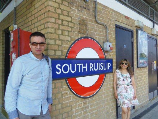 Ramada London South Ruislip : ojo con la estación Es esta...South Ruslip