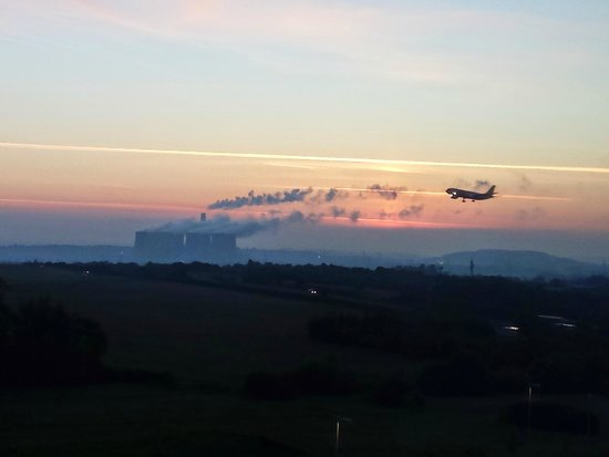 Radisson Blu Hotel, East Midlands Airport: View from room 466