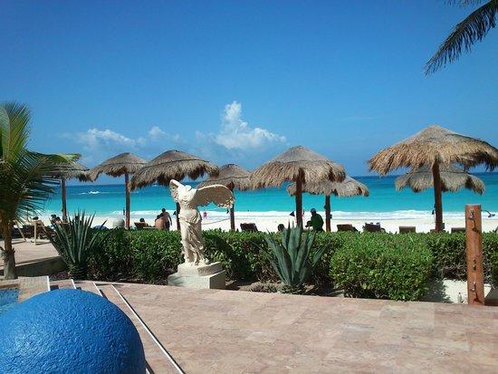 Club Regina Cancun: palapas de descanso