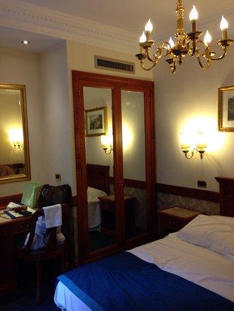 Barberini Hotel: O quarto