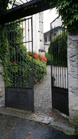 Palazzo Vertemate Franchi: Cancello