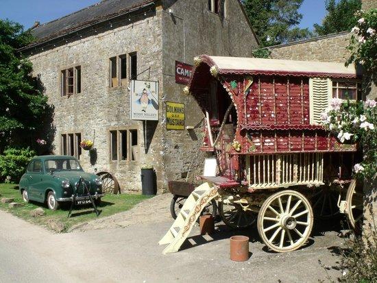 Haselbury Mill: Vintage vehicles