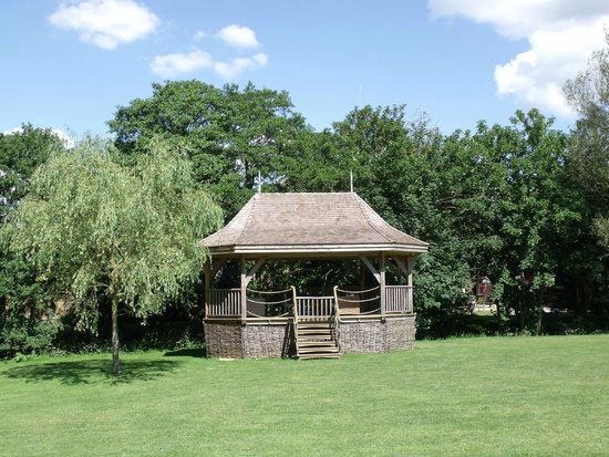 Haselbury Mill: The gazebo with furniture