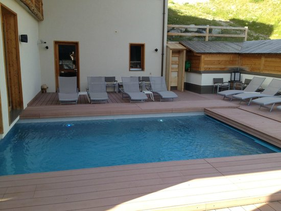 L'Alta Peyra Hôtel et Spa : vue extérieure de piscine