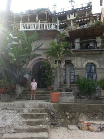 Quinta Maria Cortez: Back of the property, where the inn meets the beach
