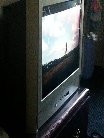 "Motel 6 Harrisburg - Hershey North : Tube ""flat screen"" TV"