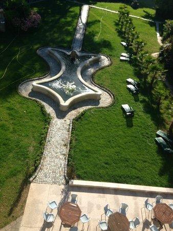 Chateaux du Val - Domaine du Val: Jardin