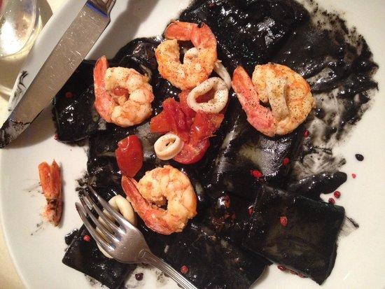 Dolceforte: Squid ink pasta - wonderful!