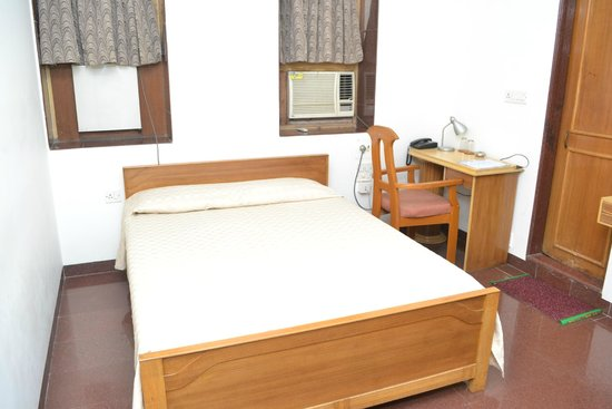 The Cottage Hotel : Deluxe Medium Room