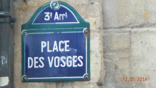 Place des Vosges: A Praça no bairro Marais