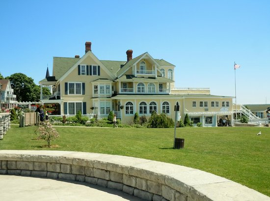 Bay View of Mackinac Bed & Breakfast: View from the west