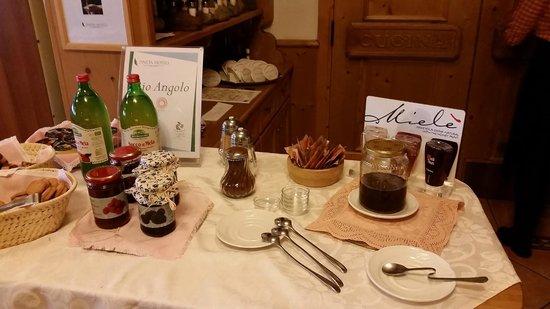 Pineta Naturamente Hotels: particolare del reparto colazioni