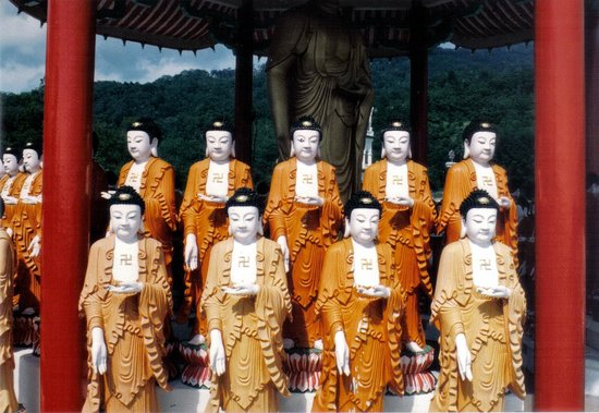 Kek Lok Si Temple: statue in stile cinese