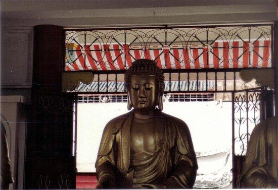 Kek Lok Si Temple: una delle tante statue del buddha stile thai