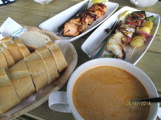 Saegreifinn - The Sea Baron : Lobster soup, fish skewers and potato skewer