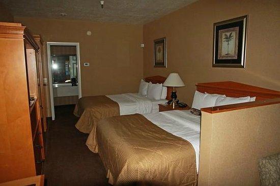Clarion Suites: Unser Zimmer mit 2 Queen-Betten