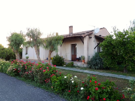 Agriturismo Orange Park: Our little Villa (3 bedrooms)